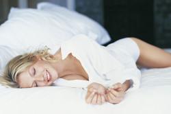 Неправильная поза во время сна - причина боли в пояснице
