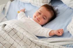 Неправильная поза во время сна - причина боли в шее