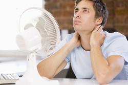 Сидячий образ жизни - причина замерзания спины