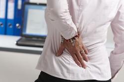 Боль в спине - основной симптом болезни