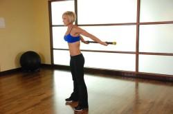 Упражнения с палкой для позвоночника