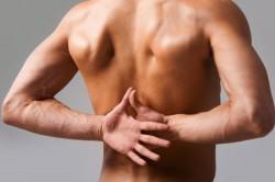 Боль в спине при переломе позвоночника